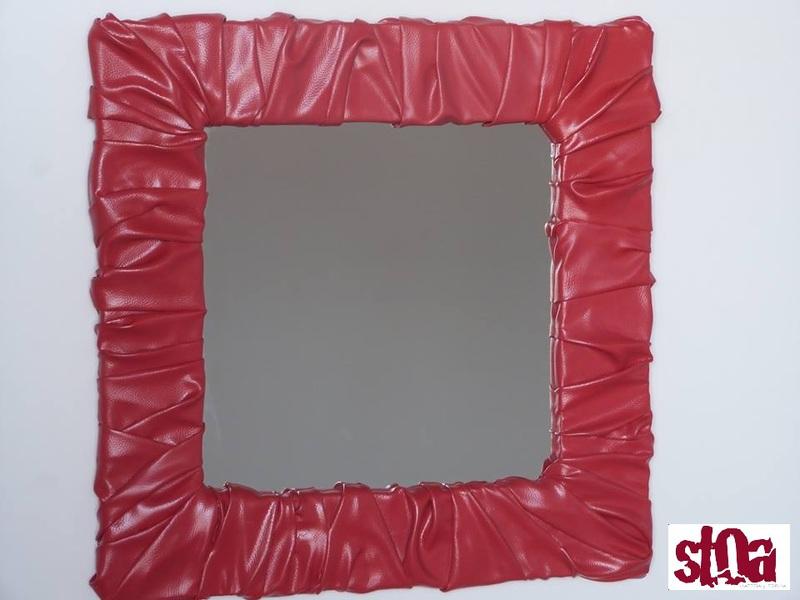 Stoa – Espejos. Marcos con espejo. Formas y volúmenes inimaginables